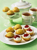 Lemon and poppy seed muffins with tea