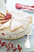 Redcurrant layer cake with puff pastry triangles