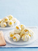 Lemon meringue kisses with lemon swirl