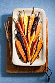 Gebratene Karotten mit Honig-Ingwer-Glasur