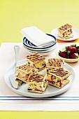 Ice cream sandwiches with honey ice cream and strawberries
