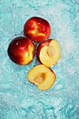 Peaches, whole and halved, in water