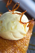 Treacle tart (dessert from England)