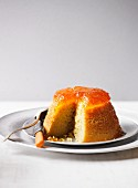 Sponge pudding with orange marmalade