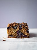 Blueberry crumble cake