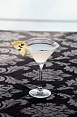 Martini mit Zitrone und Thymian