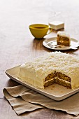 Banana and coconut cake with tea