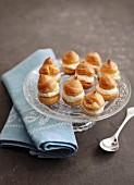 Small profiteroles filled with crème pâtissière