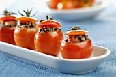 Tomaten mit Tapenade-Füllung
