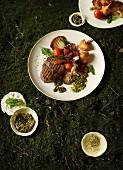 Filetsteak mit Austernpilzen, Gemüse und Basilikumsauce