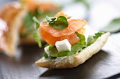 Small puff pastry with salmon