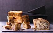 Ratatouille-Kuchen mit Rosmarin, Kartoffelkuchen mit Käse und Aprikosen und Walnusskuchen mit Steinpilzen