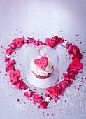 Cupcake mit Cremerose und Fondant zum Valentinstag