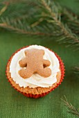 Christmas cupcake with a gingerbread teddy bear