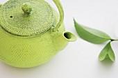 A green teapot
