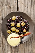 Stewed grapes with zabaglione