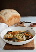 Bouillabaisse with mussels and white bread