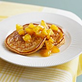 Pancakes mit Zimt und Apfelsauce