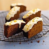 Orange gingerbread with icing