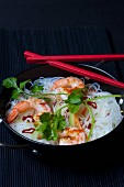 Rice noodles with prawns, chillies and coriander leaves (Asia)