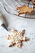 Star-shaped biscuits with glac