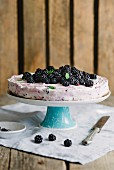 Blackberry and quark cake with fresh blackberries