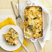Nudelauflauf mit Mais, Brokkoli & Käse