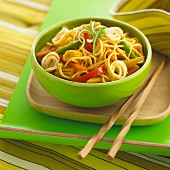 Noodles with baby sweetcorn and peppers