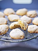 Zaletti (sweet cornmeal biscuits, Italy)