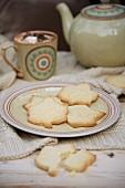 Leaf shaped shortbread cookies