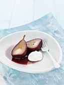 Pear in red wine with cream