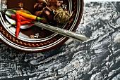 Chilischoten und Knoblauch aus Thailand