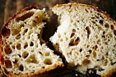 Sourdough bread, sliced (close-up)