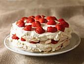 Erdbeer-Pavlova (glutenfrei)