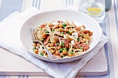 Linguine with chickpeas, peas and feta cheese