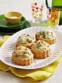 Vol-au-vents filled with chicken and asparagus