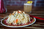 Asian noodle salad with papaya