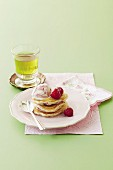 Himbeer-Pikelets mit Eiscreme
