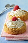 Cream and raspberry tartlets
