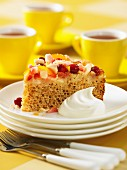 Apple and cranberry cake with cream