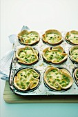 Small pea quiches with bacon