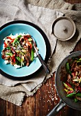 Beef with mange tout and peppers (Asia)