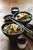 Pilau rice with chicken, ginger, peas and broccoli (Asia)