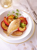 Chicken breast with apples and chervil