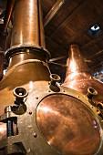 Brennkessel zur Whiskyherstellung in einer Destillerie