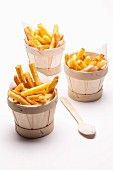 Chips in mini wooden buckets