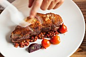 Duck breast with whitecurrants