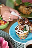 Breakfast rolls with goat's cheese, Parma ham and chocolate sauce