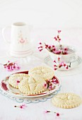Springerle (anise biscuits with an embossed design) with spring flowers