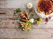 Hähnchenkeulen mit Salatbeilage & Johannisbeerkuchen